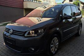 WV--touran---minivan-01